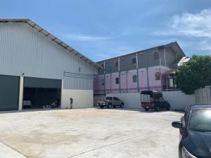 For RentWarehouseBangna, Lasalle, Bearing : Code C4051 Rent a new warehouse, size 1,000 square meters, Suksawat Road. Near Big C Phra Pradaeng