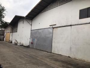 For RentWarehouseBangna, Lasalle, Bearing : Code C4050 Warehouse for rent, size 800 square meters, purple area Suksawat Road, Phra Pradaeng