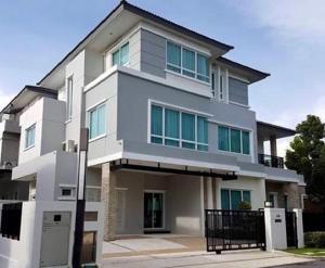 เช่าบ้านพัฒนาการ ศรีนครินทร์ : For Rent ให้เช่าบ้านเดี่ยว 3 ชั้น หมู่บ้านแกรนด์ บางกอก บูเลอวาร์ด พระราม 9-ศรีนครินทร์ หลังใหญ่ 105 ตารางวา บ้านสวยมาก บ้านหรู เฟอร์นิเจอร์ครบ Fully Furnished