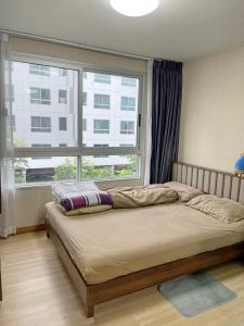 For SaleCondoRangsit, Patumtani : Super cheap sale Plum Condo Phahon Yothin 89 near Rangsit University, price less than a million. With furniture and electrical appliances, ready to move in. Good price like this is not available anymore.