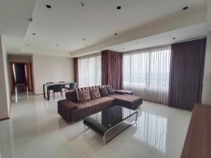 For SaleCondoSukhumvit, Asoke, Thonglor : Condo for sale : The Emporio Place Type : 2 Bedroom 2 Bathroom Size : 107 Sq.m  Floor : 28 Sale price : 19 MB.