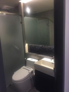 For RentCondoSukhumvit, Asoke, Thonglor : Condo for rent : Lumpini 24 Type : 1 Bedroom 1 Bathroom Size : 40 Sq.m Floor : 22 Rent Price 30,000 bath/month