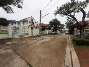 For SaleHouseLadkrabang, Suwannaphum Airport : 🏡 House for sale / rent + land, Baramet Village, Soi Chalerm Prakiat 62, 190 square meters