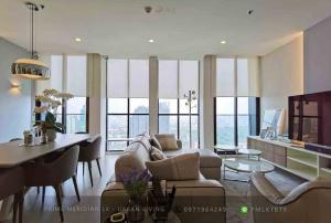 ขายคอนโดวิทยุ ชิดลม หลังสวน : Noble Ploenchit - RARE Oversized 2 Bedrooms / High Floor / Unblocked Views
