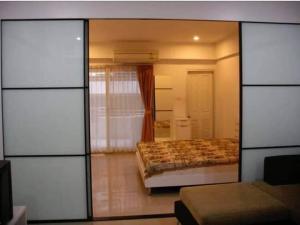 For RentCondoAri,Anusaowaree : For rent, Aree Place, 200 meters from BTS Ari station.