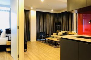 For RentCondoSilom, Saladaeng, Bangrak : Condo for rent, Siamese Surawong