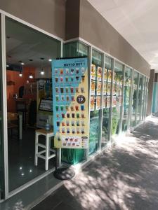 เซ้งพื้นที่ขายของ ร้านต่างๆลาดพร้าว101 แฮปปี้แลนด์ : เซ้ง กิจการร้านอาหารตามสั่งพร้อมอุปกรณ์ แฟรนไซส์มารุชา ชานมไข่มุก ไอศกรีมมหาชัย @ยูดีไลท์หัวหมาก