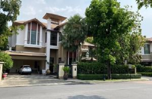 For RentHouseSukhumvit, Asoke, Thonglor : 2 storey detached house for rent, Sansiri Village, Soi Sukhumvit 67, with private swimming pool in House Type A, large house 158 square meters, Fully Furnished near BTS Phra Khanong, Baan Sansiri Sukhumvit 67 For Rent Private Swimming Pool in the house