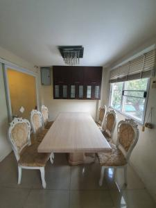 For RentTownhouseAri,Anusaowaree : For rent 💢 Town home house in Ari area, fully furnished, able to register the company, close to BTS Aree, Rama VI Expressway.