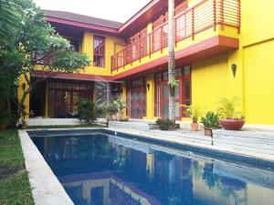 For RentHousePattanakan, Srinakarin : House for rent in Panya Village