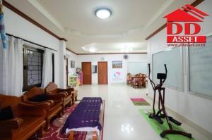 For SaleHouseNakhon Si Thammarat : Large single house for sale 143.40 square wa. Near Khanom beach, City Pillar Shrine, near Wat Chedi Ru Khai, Khanom District, Nakhon Si Thammarat