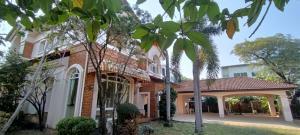 For RentHousePattanakan, Srinakarin : House for rent at Ladawan Srinakarin