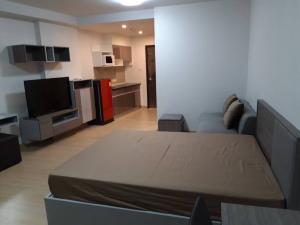 For RentCondoRama 8, Samsen, Ratchawat : Condo for Rent Pool view Rama 8 Bridge view ready.