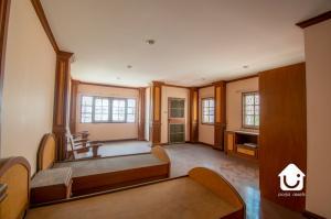 ขายบ้านปิ่นเกล้า จรัญสนิทวงศ์ : ขายบ้านเดี่ยว 3 ชั้น ตลิ่งชัน ขนาด 36 ตร.วา ตกแต่ง+บิวท์อินทั้งหลัง ไม้สัก ไม้มะค่า ราคา 5 ล้านบาท