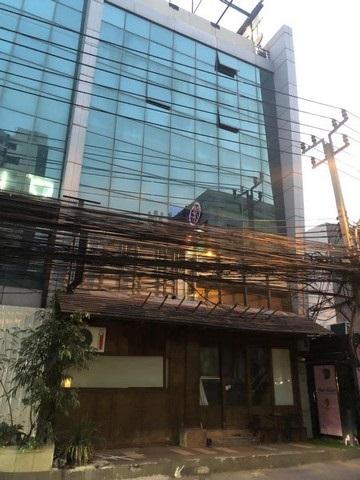 เช่าตึกแถว อาคารพาณิชย์สุขุมวิท อโศก ทองหล่อ : ให้เช่าอาคารพาณิชย์ 2คูหาย่านทองหล่อ ชั้น1และชั้น2 พื้นที่ 250 ตร.ม. พร้อมลิฟต์โดยสาร ใกล้BTSทองหล่อ
