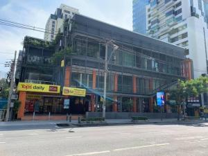 For RentRetailWitthayu,Ploenchit  ,Langsuan : 19 @ Chidlom Community Mall Outstanding on Chidlom Road Close to Chidlom BTS Station