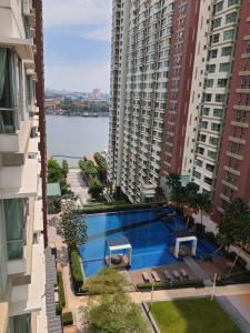 For RentCondoRama3 (Riverside),Satupadit : Condo for Rent Condo area Rama 3, river view, ready to move in.