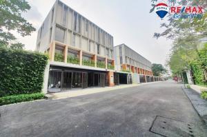 ขายทาวน์เฮ้าส์/ทาวน์โฮมบางนา แบริ่ง : ขาย บ้านเทพา รามคำแหง ใกล้ Ascot Internation school Dhepa Ramkhamhaengh 118 แปลงริมใน มีสระว่ายน้ำ ใหม่ ขายขาดทุนเป็นล้าน