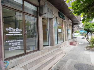 For RentShophouseSukhumvit, Asoke, Thonglor : Office for rent walking from BTS / MRT Asoke within 2 minutes NEW SERVICE FOR RENT 2MINS BTS / MRT ASOKE