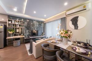 For SaleCondoRatchadapisek, Huaikwang, Suttisan : Best Deal EVER!! IDEO Ratchada-Sutthisarn brand new 2 bedroom for Sale!!   450m. to MRT Sutthisarn