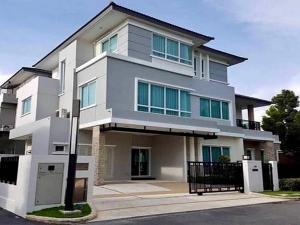 เช่าบ้านพระราม 9 เพชรบุรีตัดใหม่ : ให้เช่าบ้านเดี่ยวหรู 2 ชั้นเนื้อที่ 105 ตร.ว พื้นที่ใช้สอย 441 ตร.ม 5 ห้องนอน 5ห้องน้ำ แอร์ เฟอร์นิเจอร์ครบ ถนนพระราม 9 ห้างเดอะไนน์ ราคาเช่า 300,000 บ/ด