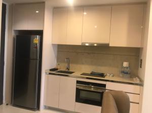 For RentCondoSathorn, Narathiwat : 🔥 Very good price, beautiful decoration, ready to move in, good location, near BTS Surasak 🔥 Ready to finish every day The Bangkok Sathorn 1 bedroom 1 bathroom 24 hours meeting Tel.088-111-3060