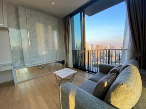 For RentCondoWitthayu,Ploenchit  ,Langsuan : For rent, 2 bedrooms, high floor, corner unit, project 28, Chidlom.