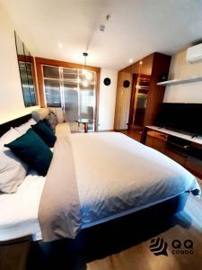 For RentCondoSukhumvit, Asoke, Thonglor : For rent  Rhythm Ekkamai - Studio, size 30 sq.m. Beautiful room, fully furnished.