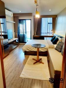 For SaleCondoSukhumvit, Asoke, Thonglor : For sale  Rhythm Ekkamai - Studio, size 30 sq.m. Beautiful room, fully furnished.