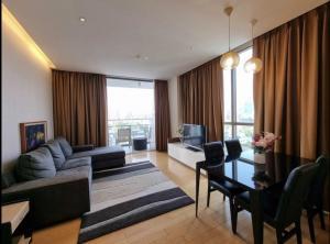 เช่าคอนโดสุขุมวิท อโศก ทองหล่อ : Aequa Sukhumvit49 condo 2 bedrooms 2 bathrooms 92 sqm for rent walking distance to BTS Phromphong