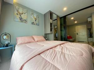 For RentCondoBangna, Lasalle, Bearing : Condo for rent, the origin sukhumvit 105, new room, ready to move in 👍 near BTS dark green line bearing (E14)