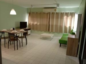 For RentCondoChengwatana, Muangthong : Popular Condo Muang Thong Building 📍 Zone P2, Floor 5 (5/11) Room size 38 sq m. 1 bedroom, 1 bathroom, living room zone, kitchen zone.