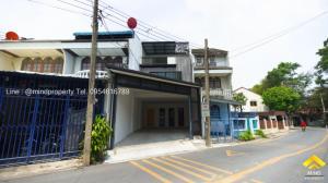 For SaleTownhouseNawamin, Ramindra : Urgent sale, 3-storey townhome, Nawamin, renovated, modern style, Bangkapi district, Khlong Kum