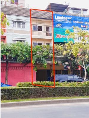 For RentShowroomOnnut, Udomsuk : Rent a commercial building / commercial building, Sukhumvit 77, On Nut 55-1.