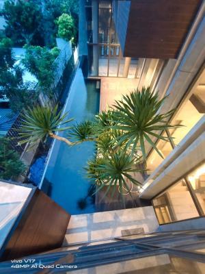 For RentHouseSukhumvit, Asoke, Thonglor : Seerentsale, a luxury single house, modern loft style, 100 wah, stylishly decorated, plus 2 private swimming pools in Hot area, Sukhumvit Road, Ekamai 8-22.