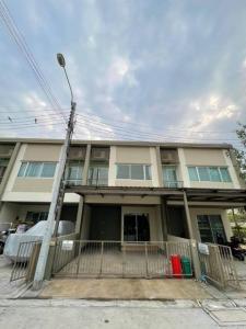 For SaleTownhouseRama5, Ratchapruek, Bangkruai : 🌟 Urgent sale, special price 2.59 million baht 🌟 🏠 Townhome 17.5 sq.w., full addition l🛌 4 bedrooms l🚿 2 bathrooms l🚘 2 parking l