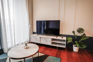 For RentCondoSukhumvit, Asoke, Thonglor : KHUN by YOO 1bedroom for rent
