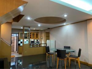 For RentTownhousePattanakan, Srinakarin : Na-h4146 3-storey townhouse for rent, Muang, Rama 9, near ABAC University.