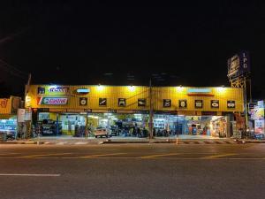For LongleaseRetailPattaya, Bangsaen, Chonburi : Car service center for sale