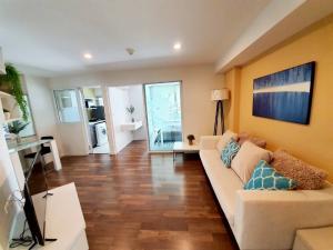 For RentCondoOnnut, Udomsuk : Condo for rent : The Room Sukhumvit79 Type : 1 Bedroom 1 Barhroom Size : 40 Sq.m Floor : 8 Rent price : 14,000 Baht/Month