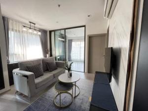 For RentCondoRama9, RCA, Petchaburi : 🎉 1 Bedroom plus Condo for rent, Life asoke rama9, beautiful room, 2 bedrooms, building A, 22nd floor, you can move in.