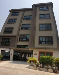 ขายขายเซ้งกิจการ (โรงแรม หอพัก อพาร์ตเมนต์)รัชดา ห้วยขวาง : ขาย อพาร์ทเมนท์ใหม่ 5ชั้น ซอยรัชดาภิเษก 36 แยก 9-3-6-1 ราคา 34 ล้านบาท