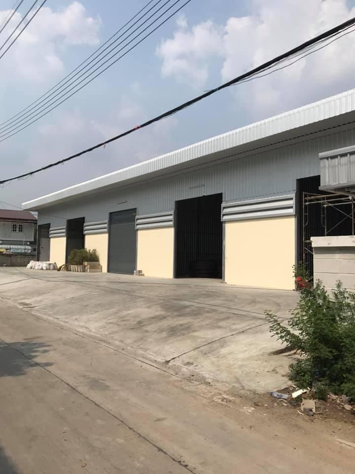 For RentWarehouseChengwatana, Muangthong : RK045 Warehouse for rent, 160 sq m. 8x 20 m. Behind Robinson Srisamarn Pakkred