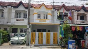 For SaleTownhouseRamkhamhaeng,Min Buri, Romklao : 2-storey townhouse, Soi Nimit Mai 7, Phanason Village 6, renovated new road, wide front of the house.