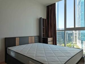 For SaleCondoRatchadapisek, Huaikwang, Suttisan : Noble Revolve Ratchada, good price, come out and sell 3.25 million baht, definitely worth buying, room size 26.23 million baht, 1 bedroom, make an appointment.