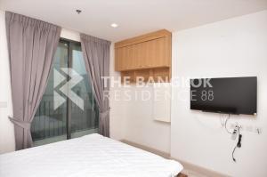 For RentCondoRatchathewi,Phayathai : Renovated Room! Condo for Rent Near BTS Phayathai - Ideo Mobi Phayathai @15,000 Baht/Month