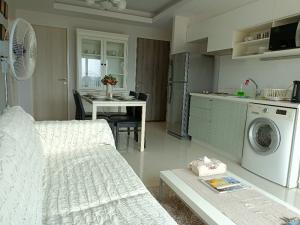 ขายคอนโดแจ้งวัฒนะ เมืองทอง : ขาย Double Lake Condominium 2 ห้องนอน