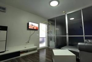 เช่าคอนโดวงเวียนใหญ่ เจริญนคร : ให้เช่า คอนโด ดีบุรา พรานนก ( DBURA PRANNOK )1 ห้องนอน Condo for rent: DBURA Prannok, 1 bedroom.