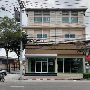 For RentShophousePattanakan, Srinakarin : Property code BS191 3-storey office for rent with warehouse, Phatthanakan Road, near the train, Airport link, Hua Mak