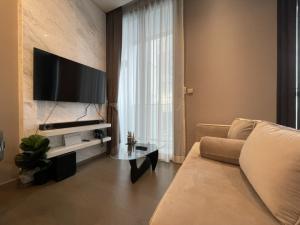 เช่าคอนโดพระราม 9 เพชรบุรีตัดใหม่ : for rent The Esse at Singha complex 25,000  !📍